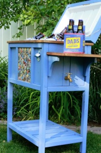 DIY Cooler Stand   Repurposed Furniture Projects In Time For Father's Day